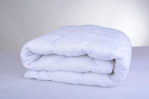Dünne Bettdecken